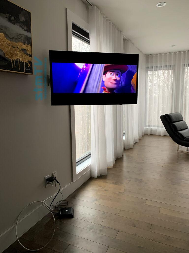tv au mur chambre des maitres