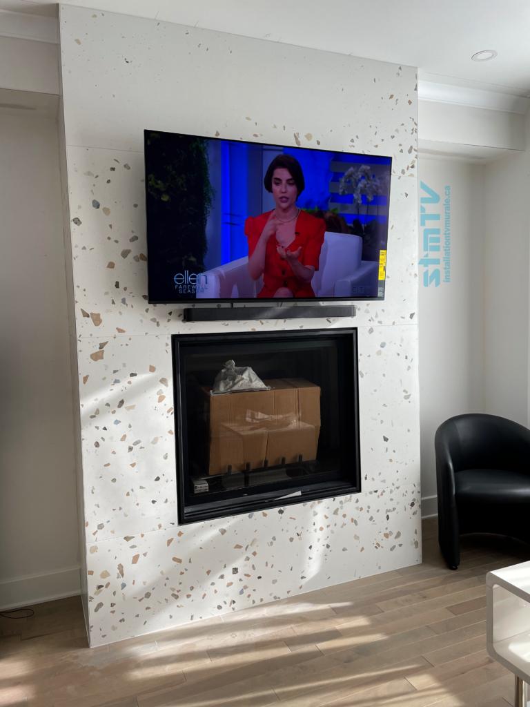 Installation tv murale au dessus foyer Sur revetement de céramique